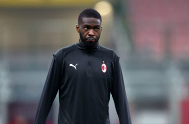 Fikayo Tomori of Ac Milan  looks on before the Serie A match